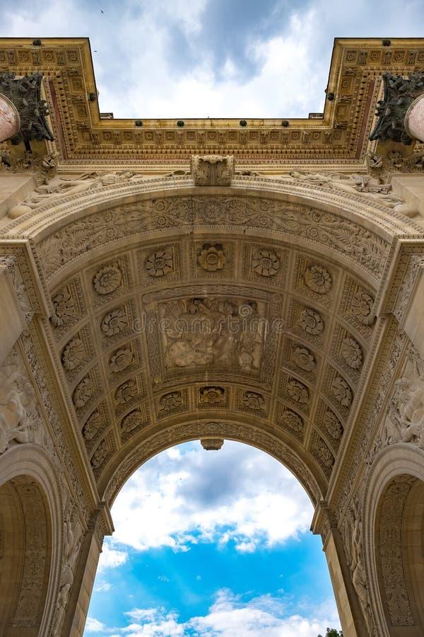 Paris Arc de Triomphe du Karusell 1 royaltyfria foton