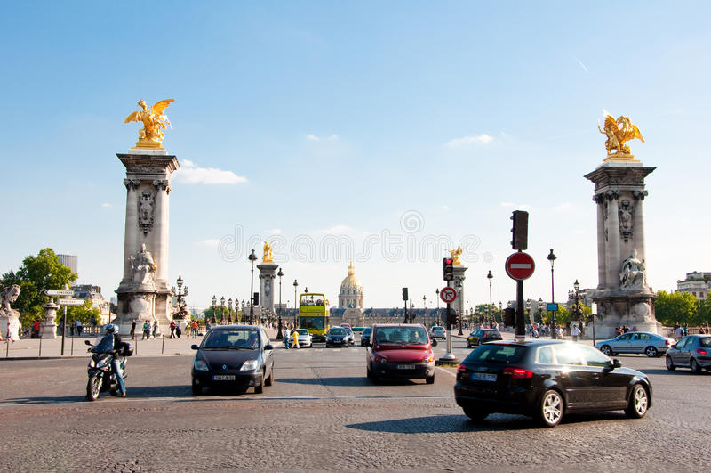 PARIS-AUGUST 15 :Pont亚历山大III 2009年8月15日在巴黎,法国。 免版税库存照片