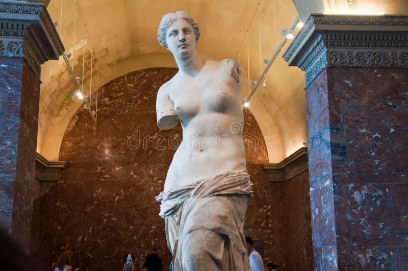 PARIS-AUGUST 18: Aphrodite Milos przy louvre muzeum, Sierpień 18, 2009 w Paryż, Francja. obrazy stock