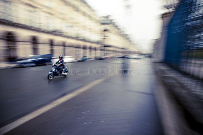 Paris-Bewegungsroller lizenzfreie stockbilder