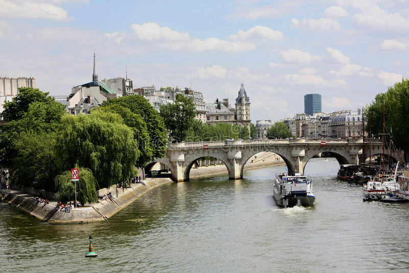 Download Paris Bridge Over The Seine Stock Photo - Image: 12568968