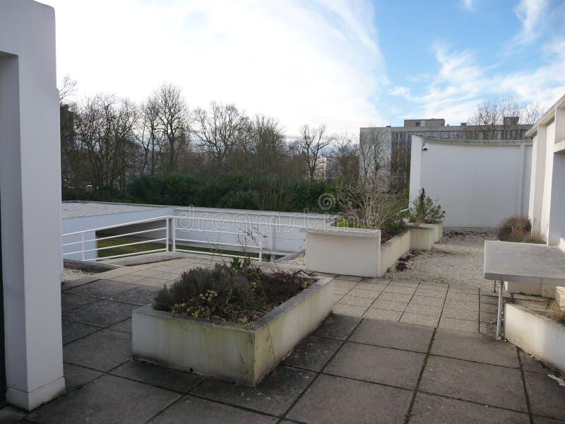 Paris - casa de campo Savoye (opinião do telhado no canto) fotografia de stock