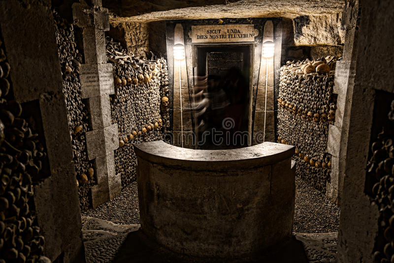 Paris-Catacombs-Dead-8 photo libre de droits