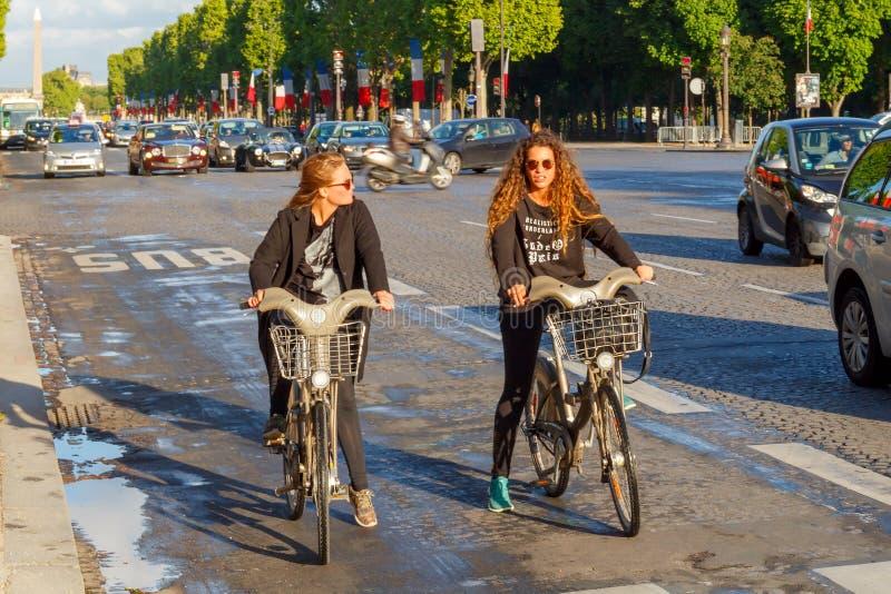 paris Champs-Elysees stockfotos