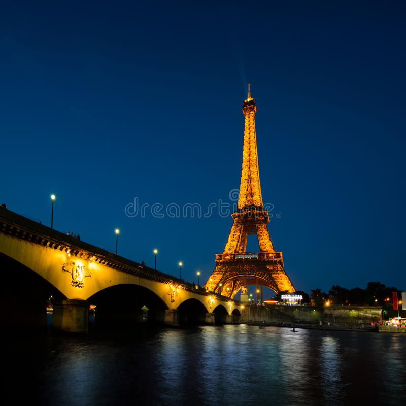 Download Paris Cityscape At Sunset - Eiffel Tower Editorial Stock Photo - Image: 32740603