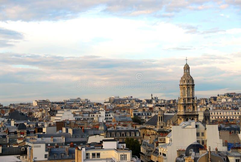 Paris-Dachspitzen lizenzfreie stockfotografie