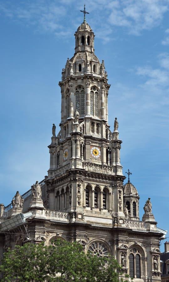 Paris - Eglisen de la Sainte-Trinite arkivfoto