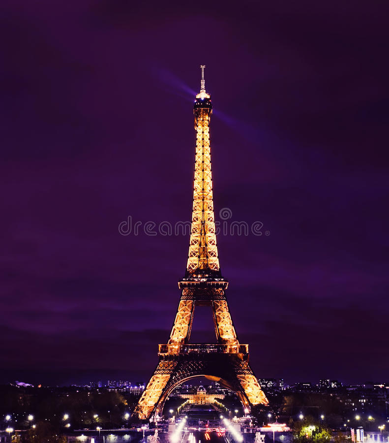 Download Paris Eiffel Tower At Night Editorial Stock Image - Image of night, history: 22365764
