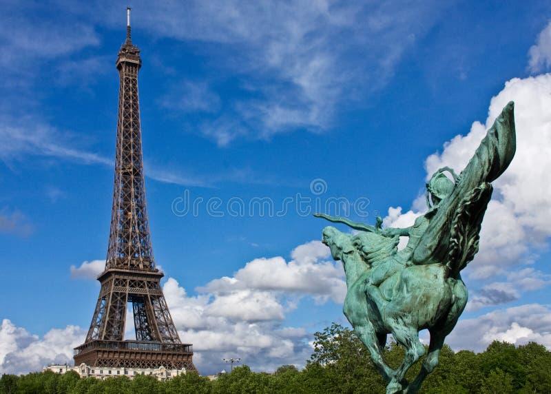 Download Paris Eiffelturm stockbild. Bild von wolkenkratzer, ferien - 27733397