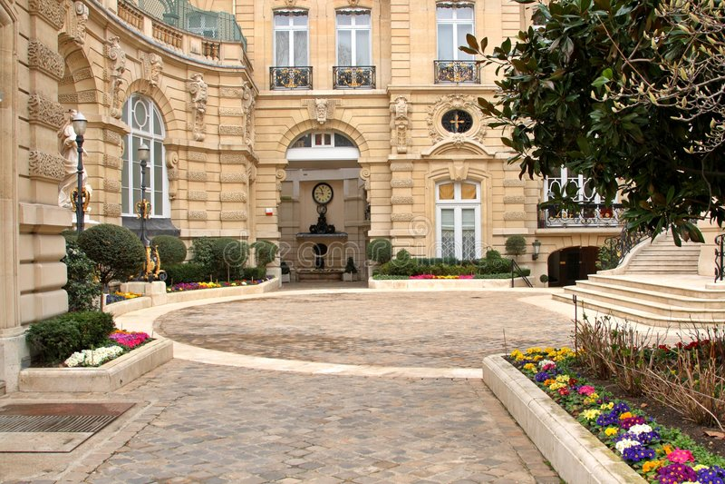 Download Paris Estate Royalty Free Stock Photography - Image: 8456117