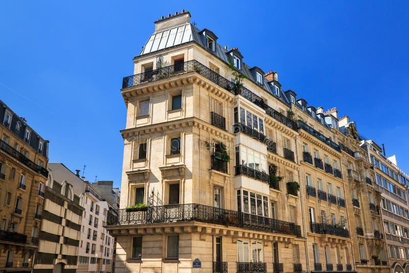 Paris fastighet royaltyfri foto