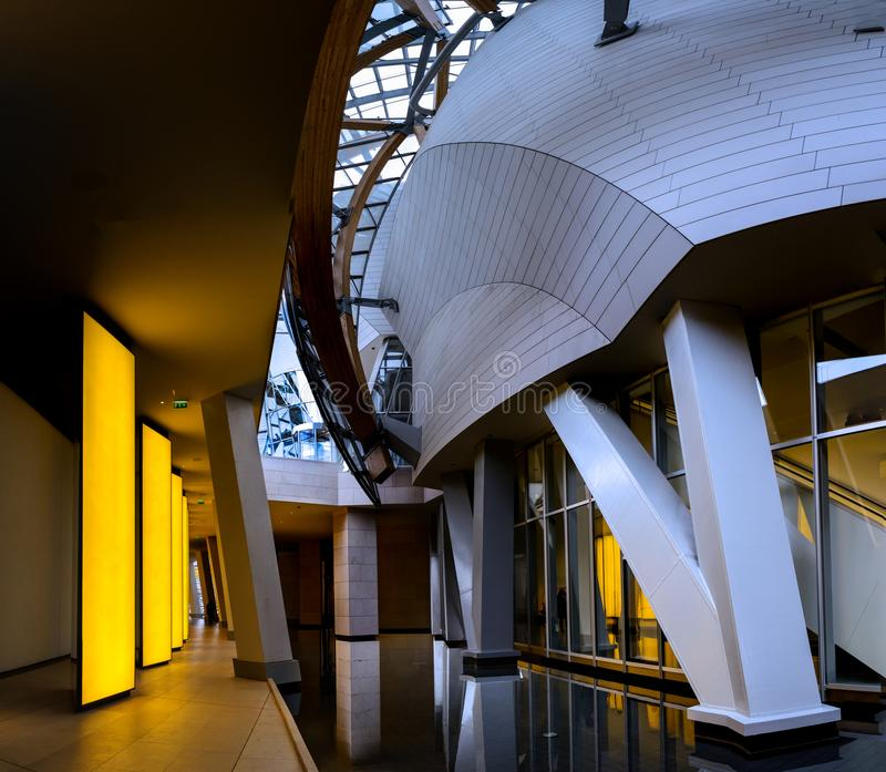Paris - Fondation Louis Vuitton arkivbilder