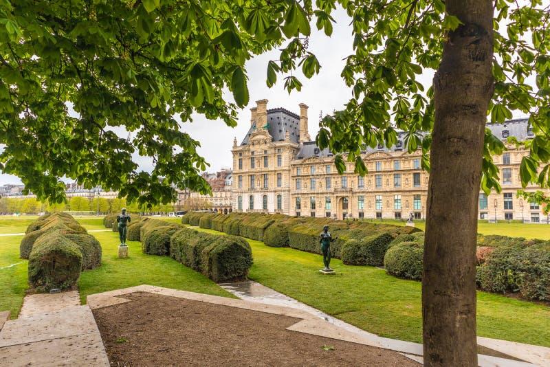 Paris, França - 9 DE ABRIL DE 2019: Cole du Louvre do ‰ de à A institui??o do ensino superior, Paris foto de stock royalty free