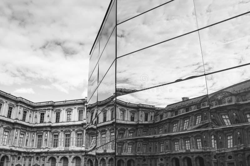 PARIS, FRANÇA - 25 DE JUNHO DE 2016: A instalação do panorama criou pelo artista francês Eva Jospin, primeira arte finala contemp fotografia de stock royalty free