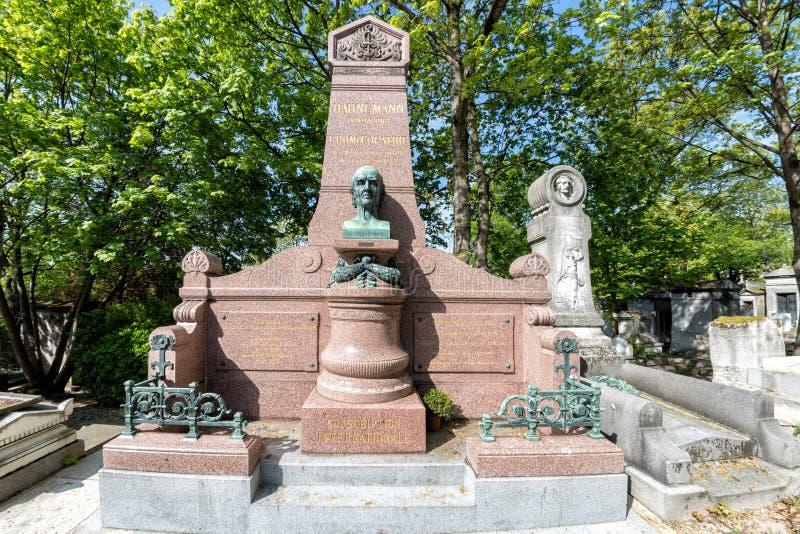 PARIS, FRANÇA - 2 DE MAIO DE 2016: Sepultura do fundador de Christian Friedrich Samuel Hahnemann Homeopathy no fou homeopaty do c fotos de stock