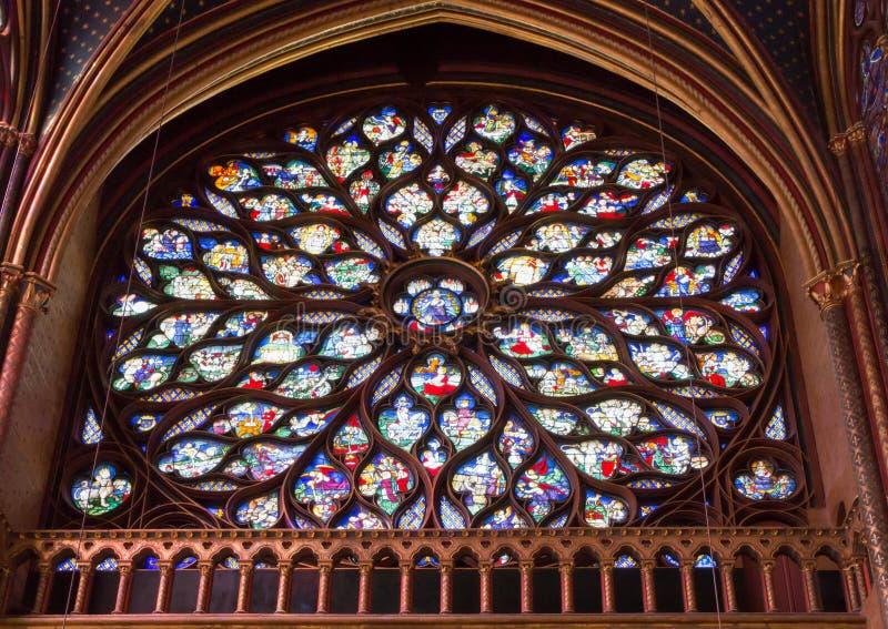 PARIS, FRANÇA - em março de 2016: Interior de Saint famoso Chapelle imagem de stock