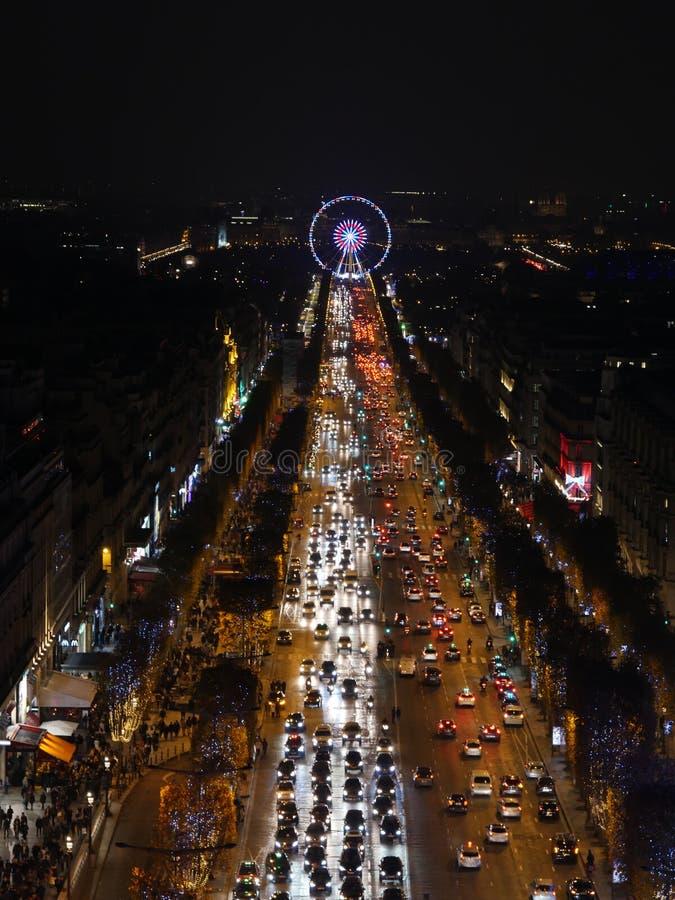 Paris, França-novembro 26,2016: Iluminação na avenida de Champs-Elysees foto de stock royalty free