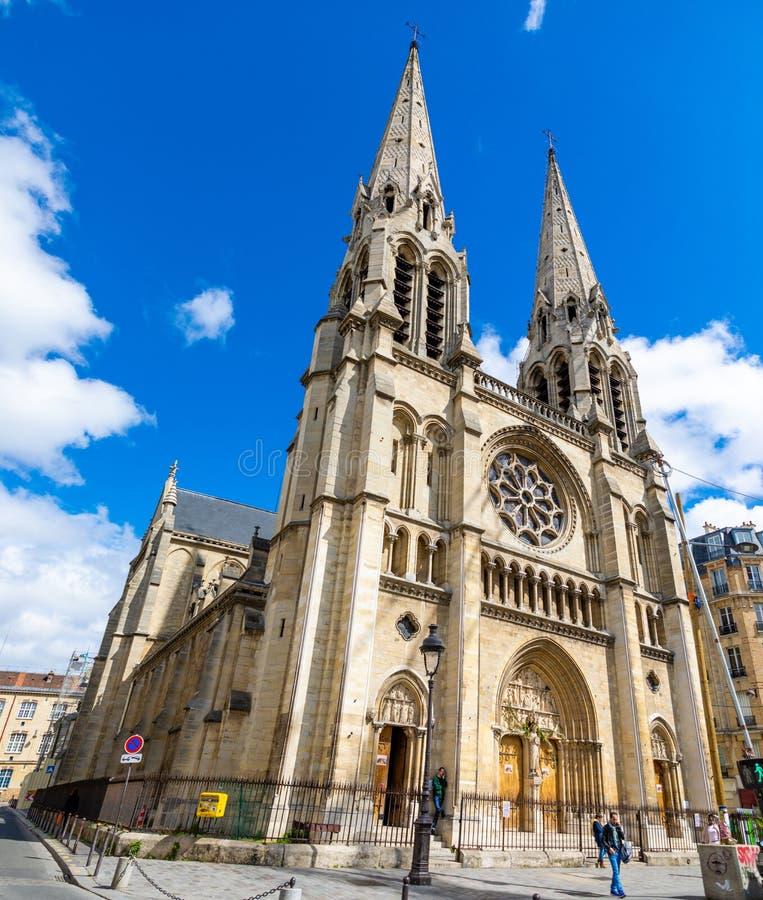 Paris, Fran?a - 24 04 2019: Igreja de Saint-Jean-Baptiste de Belleville em Paris, Fran?a fotografia de stock