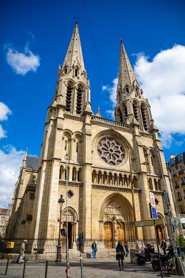 Paris, Fran?a - 24 04 2019: Igreja de Saint-Jean-Baptiste de Belleville em Paris, França fotografia de stock royalty free