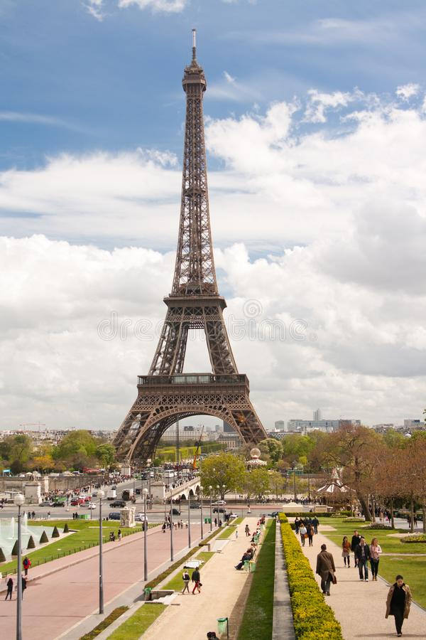Paris, France. 26 april 2012: The Eiffel Tower seen from Trocadero. stock photography