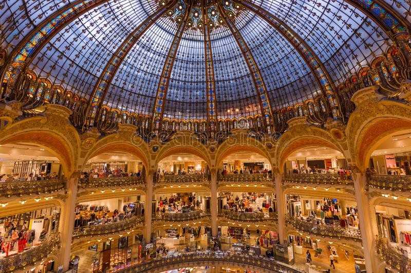 PARIS, FRANCE - August 16, 2017: Interior of the Galeries Lafayette shopping centre.  royalty free stock photos