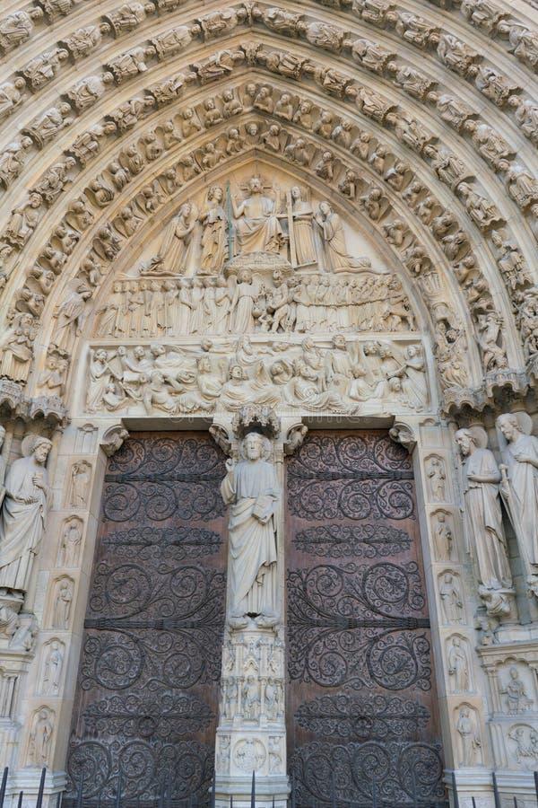 Paris, France - 2 avril 2019 : Ext?rieur du Notre Dame de Paris photographie stock