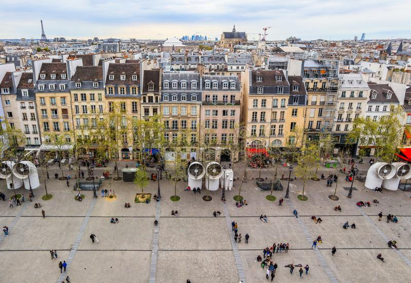 Paris/France - 7 avril 2019 : Vue de ville de Paris de centre de Pompidou au printemps photo stock