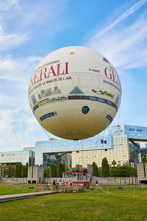 PARIS, FRANCE - 19 JUILLET 2018 : ballon à air chaud en Parc Andre Citroen dans le 15ème arrondissement de Paris, France images libres de droits
