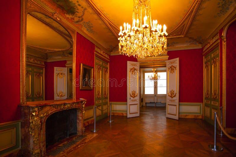 PARIS, FRANCE - 2 OCTOBRE 2016 : Appartements du napol?on III Le mus?e de Louvre est le plus grand mus?e dans le mot avec presque photo libre de droits