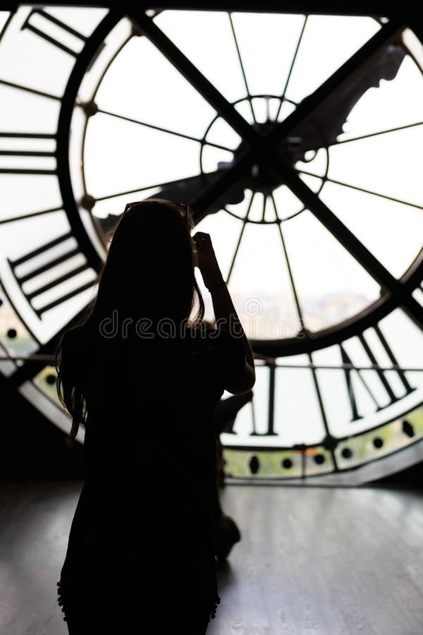 Paris, Frankreich - 13. August 2015 - Ansicht durch d-` orsay Museums-Glockenturm von Sacre-Coeurbasilika, Paris, Frankreich, fot lizenzfreies stockbild