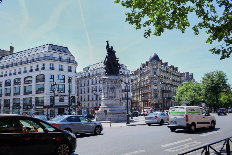 Paris, Frankreich - 28. Juni 2015: Place de Clichy stockbilder