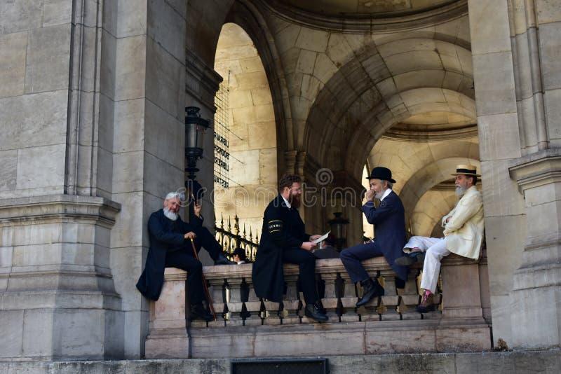 Paris, Frankreich Oper Garnier, Palais Garnier August 2018 Schauspieler, die einen Kostümfilm filmen stockfoto