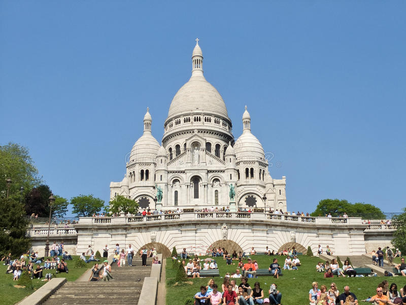 Paris, Frankreich - Sacre-Coeur in Montmartre, sonniger Morgen stockbilder