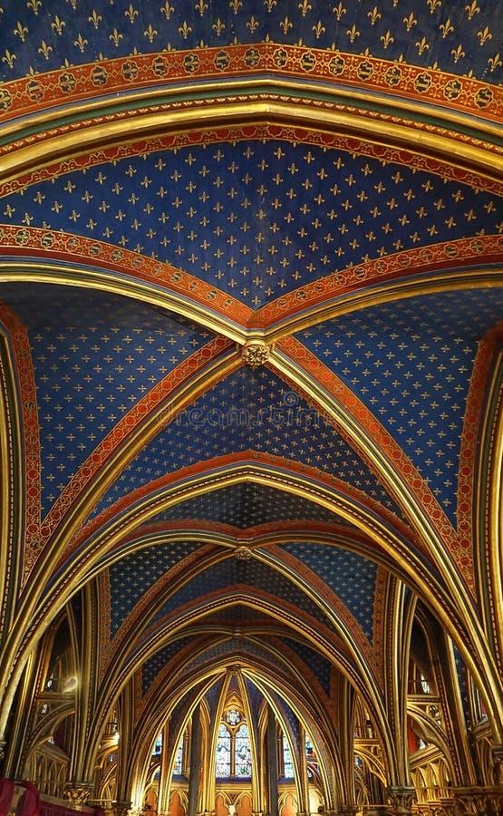 Paris Frankrike - Augusti 3,2019: Inre sikt av Sainten-Chapelle arkivfoton