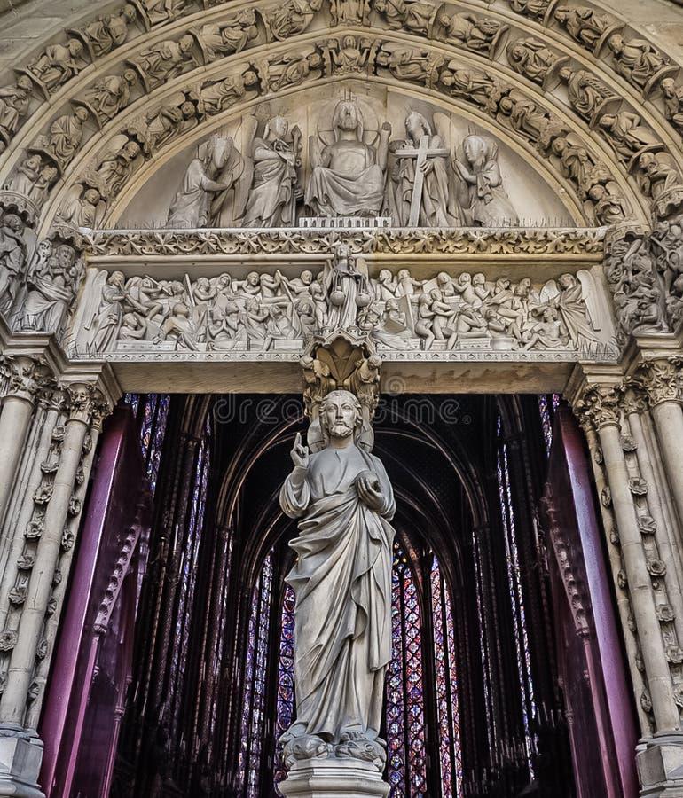Paris Frankrike - Augusti 3,2019: Yttre sikt av Sainten-Chapelle arkivfoton
