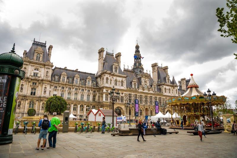 Paris Frankrike - 24 04 2019: Hotell-de-Ville eller stadshus i Paris - byggnad som inhyser staden av Paris administration arkivfoton