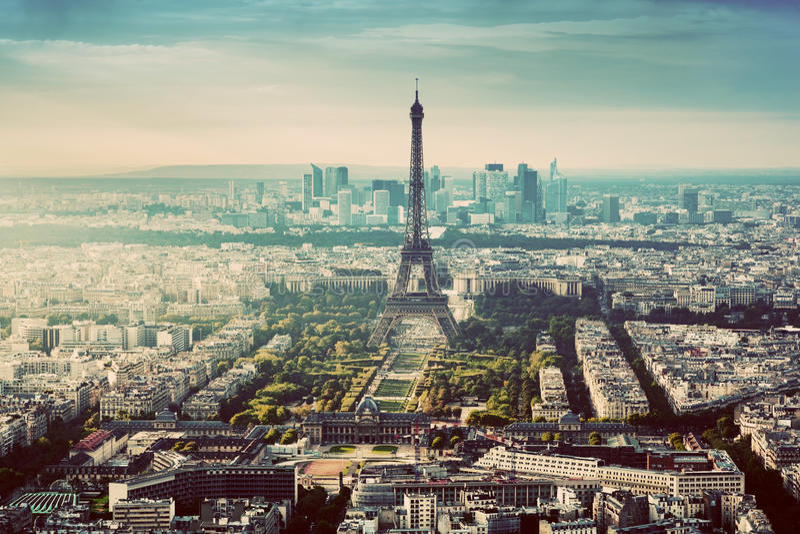 Paris Frankrike tappninghorisont, panorama Eiffeltorn Champ de Mars arkivbild