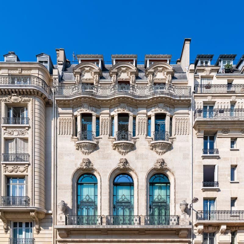 Paris härlig byggnad i Maraisen royaltyfri foto