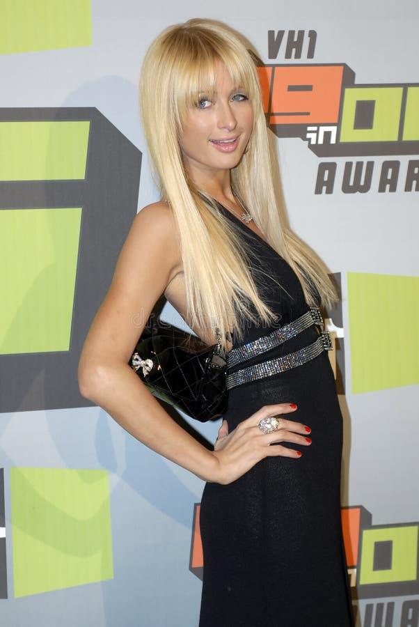 Paris Hilton sur le tapis rouge image libre de droits