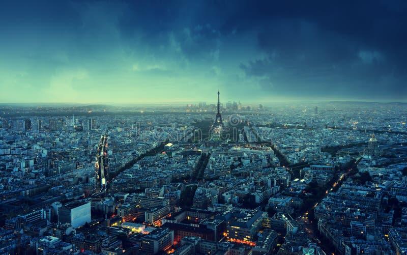 paris horisontsolnedgång arkivbild