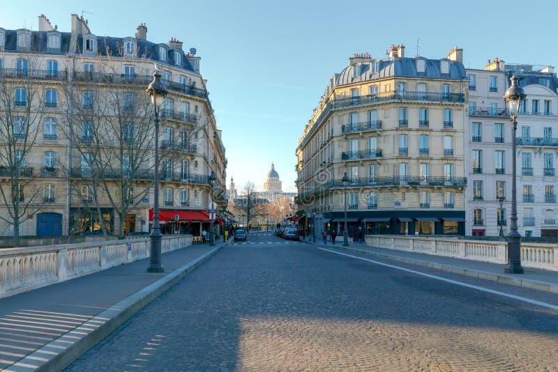 Download Paris. Ile De La Cite In A Sunny Winter Morning. Stock Photo - Image: 83710094