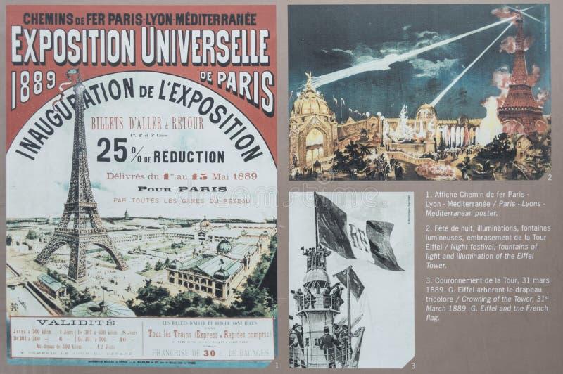 Paris - 13 juillet 2014 : Affiche d'inauguration de cru de Tour Eiffel et documents historiques photo libre de droits