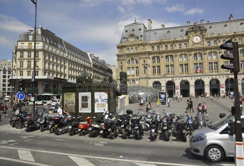 Paris Juli 15: Gare helgon Lazare från Paris i Frankrike royaltyfri bild