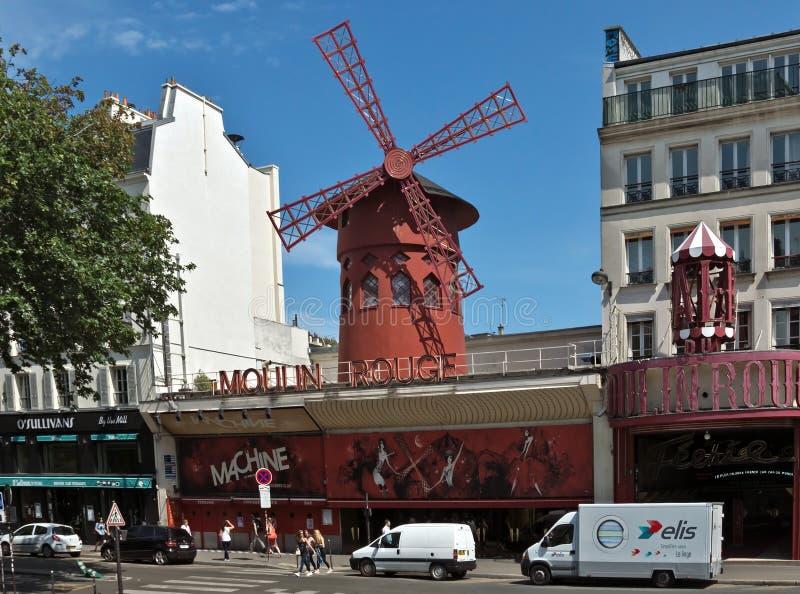 Paris - le cabaret du Moulin rouge photo libre de droits