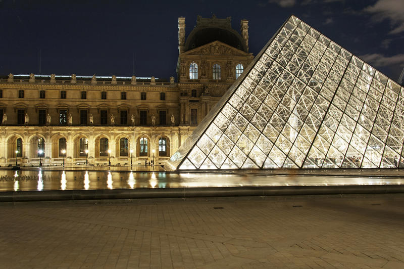 Download Paris - the Louvre editorial image. Image of building - 27709350