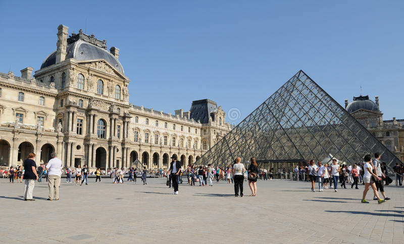 Download Paris Louvre Museum 2 editorial stock photo. Image of travel - 21506463