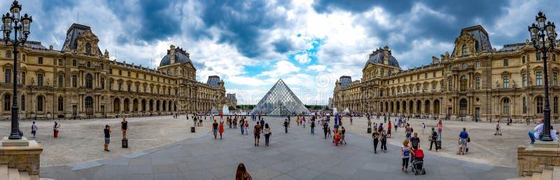 Paris Louvrepanorama 1 arkivfoton