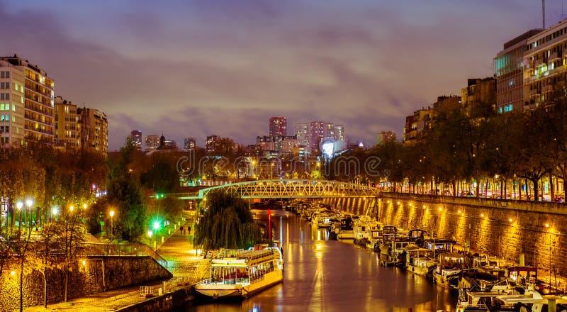 Paris na noite, Seine fotos de stock royalty free