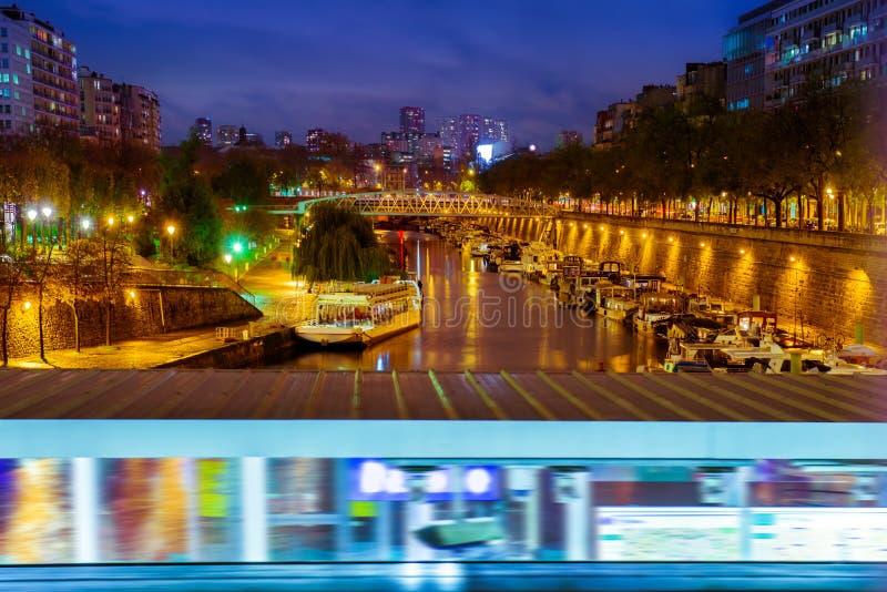 Paris na noite, Seine fotografia de stock royalty free