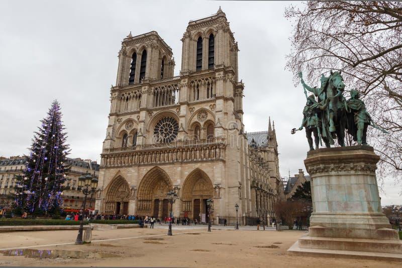 paris Notre Dame Weihnachten stockfotos